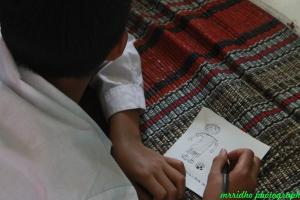 siswa-siswi menggambar dan menulis apa cita-citanya4